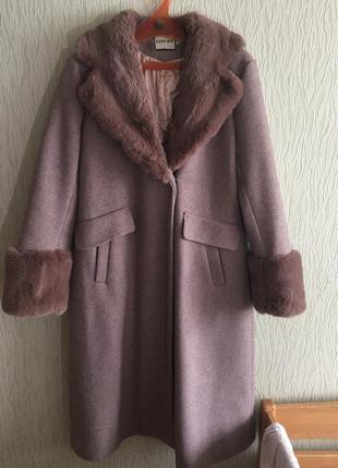 Ідеальне зимове та осіннє пальто
