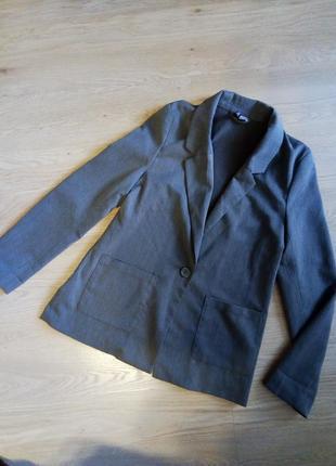 Прямой удлиненный пиджак смокинг хаки divided h&m