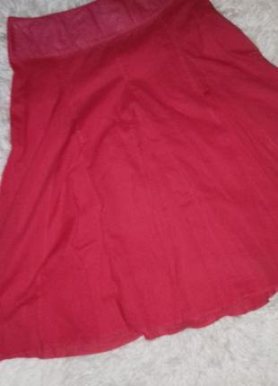 Шикарная красная юбка популярный бренд