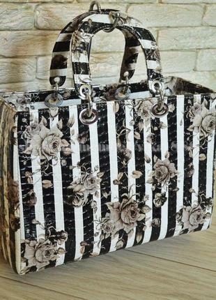 Женская лаковая сумка в стиле dior полосы