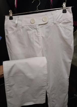 Легкие хлопковые брюки прямого кроя