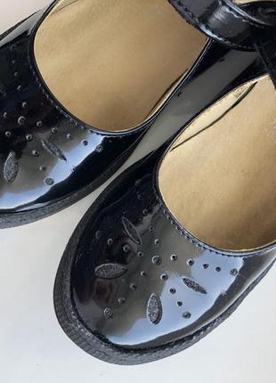 Лаковые туфли primigi 32 р. состояние новых!