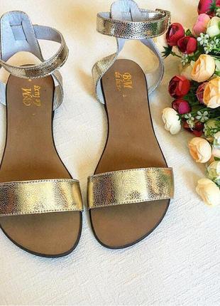 Очень красивые сандалики золоо натуральная кожа