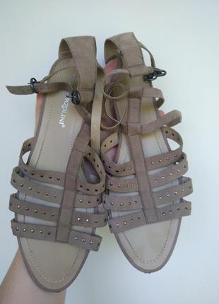 Летние полностью кожаные замшевые босоножки сандали