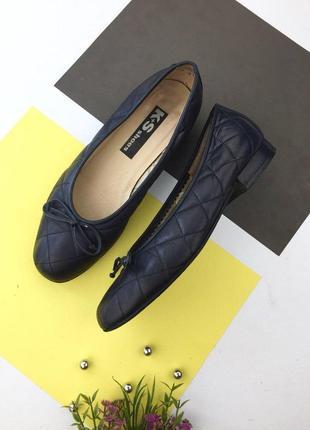 Кожаные стеганые туфли балетки хорошего качества