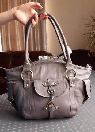 Кожаная красивая серая сумка фирмы catwalk