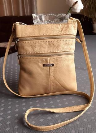 Кожаная красивая бежевая сумка кроссбоди фирмы lorenz accessories