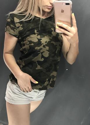Женская футболка tommy hilfiger милитари