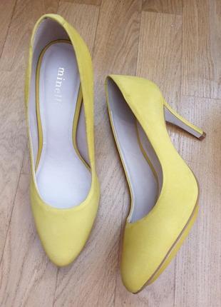 Супер яркие солнечные туфли из нат.нубука