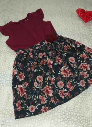 Красивое платье цветы 5-6 лет