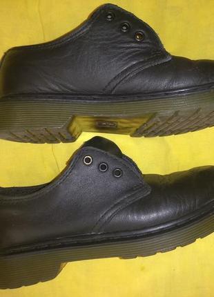 Продам туфли dr. martens оригинал в хорошем состоянии