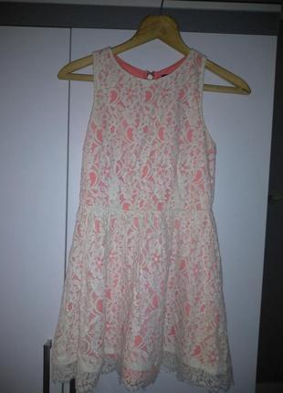 Продам красивое гипюровое платье