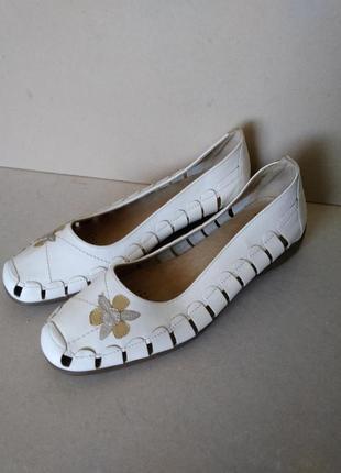 Удобные кожаные белые туфли босоножки балетки на низком ходу р. 8 / 41-42 27,5 см damart