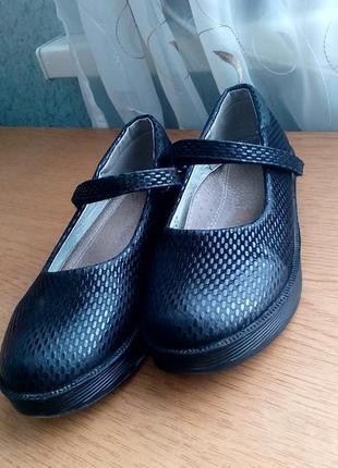 Школьные черные туфли на девочку стелька 19 см