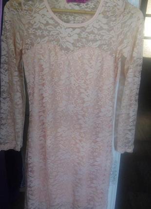 Платье гипюровое нежное персиковое