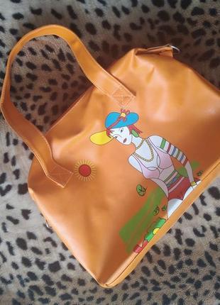 Яркая пляжная сумочка