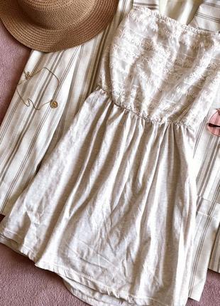 Платье бюстье без бретель с вставками кружева bershka
