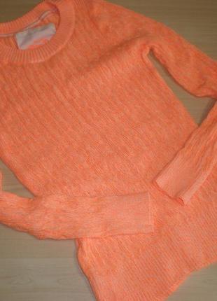 Продам фирменный свитер