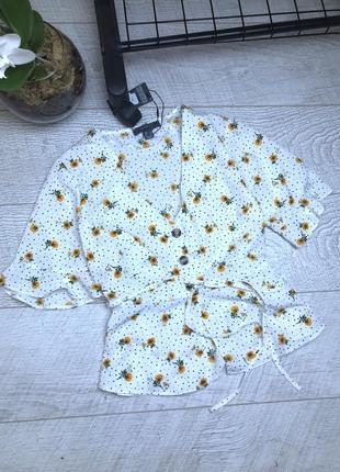 Мила блуза в квіти
