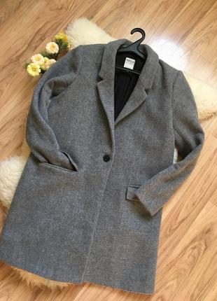 Шикарное шерстяное пальто бойфренд zara