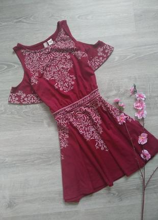 Красивое платье с имитацией вышивки h&m