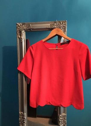 Червона блузка atmosphere