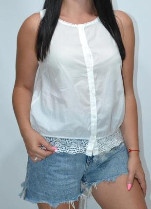 Блуза безрукавка с кружевом benetton
