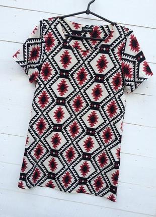 Модное яркое платье в принт от fever london