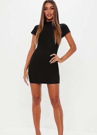 Облегающее чёрное мини-платье