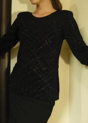 Чорна блуза з золотистою ниткою