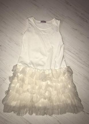 Легкое нарядное трикотажное платье