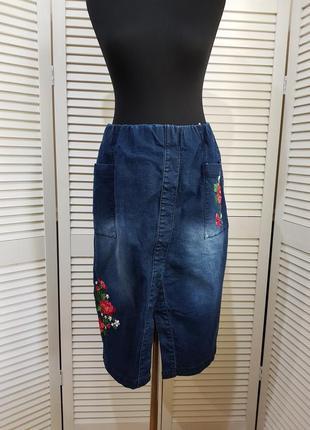 Стильная джинсовая юбка миди с вышивкой bpc