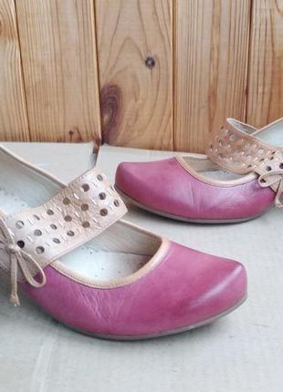 700150d60 Новые стильные полностью кожаные босоножки туфли лодочки caprice
