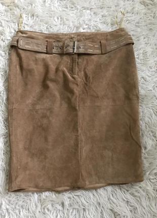 Красивая замшевая юбка с поясом