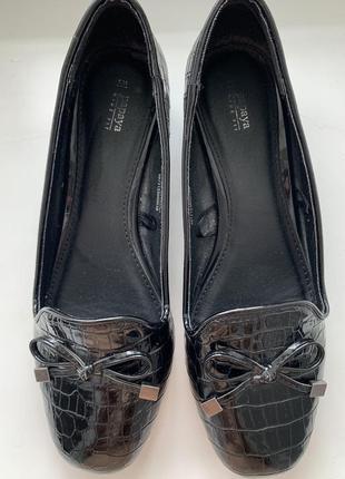 Лоферы туфли на маленьком устойчивом каблуке