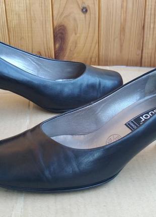 Полностью кожаные оригинальные удобные туфли лодочки на каблуке gabor