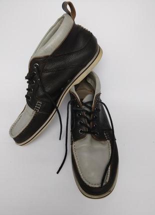 Качественные кожаные ботинки lacoste