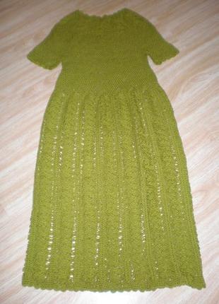 Платье вязаное олива