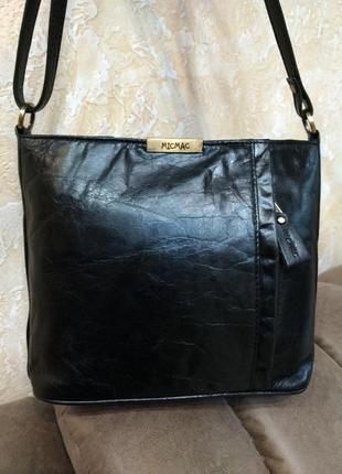 Удобная кожаная сумка на плечо micmac