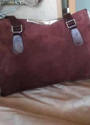 Замшевая сумка бордового цвета
