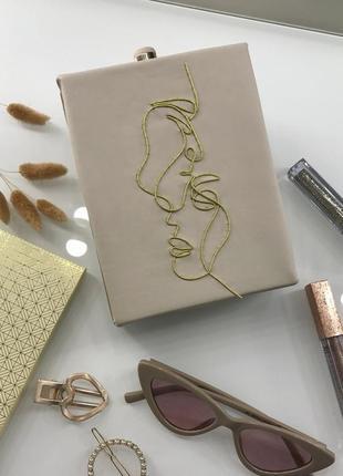 Клатч ручной работы с вышивкой