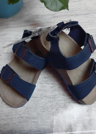 Очень классные сандали крутого бренда carter's
