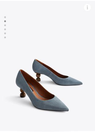 Кожаные туфли на деревянном геометрическом каблуке