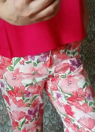 Женские капри, бриджи billblass jeans цветочный принт на 14-16/50-52 размер.