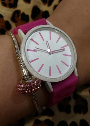 Женские силиконовые наручные часы кварцевые на силиконовом ремешке розовые, белые