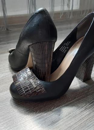 Туфли на каблуке, 35 рр кожа 100%