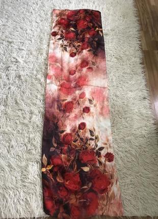 Утонченный красочный платок