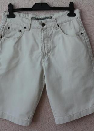 Jivaros- классические шорты- германия