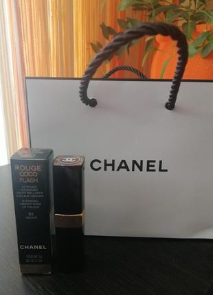 Помада chanel rouge coco flash 92 amour