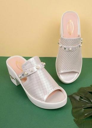 Женские босоножки на каблуке , шлепанцы на каблуке